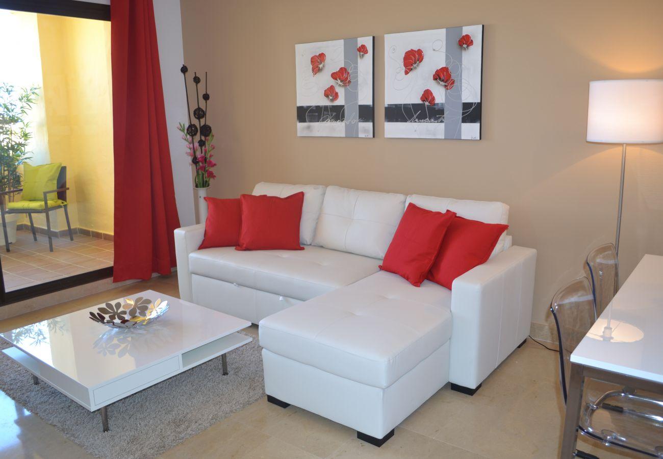 ZapHoliday - 2115 - alquiler de apartamentos en Manilva, Costa del Sol - salón