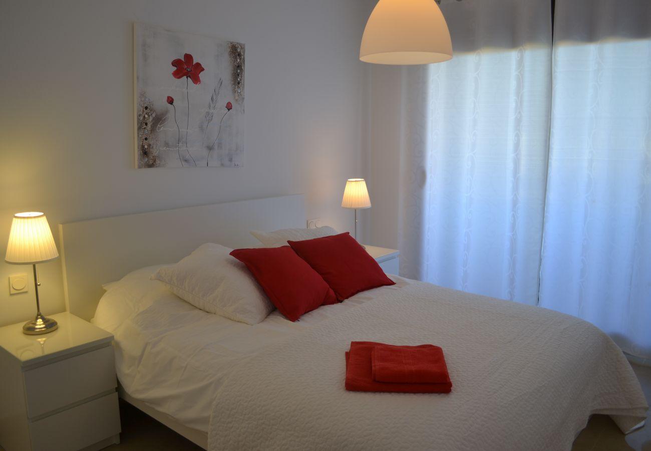 ZapHoliday - 2115 - alquiler de apartamentos en Manilva, Costa del Sol - dormitorio