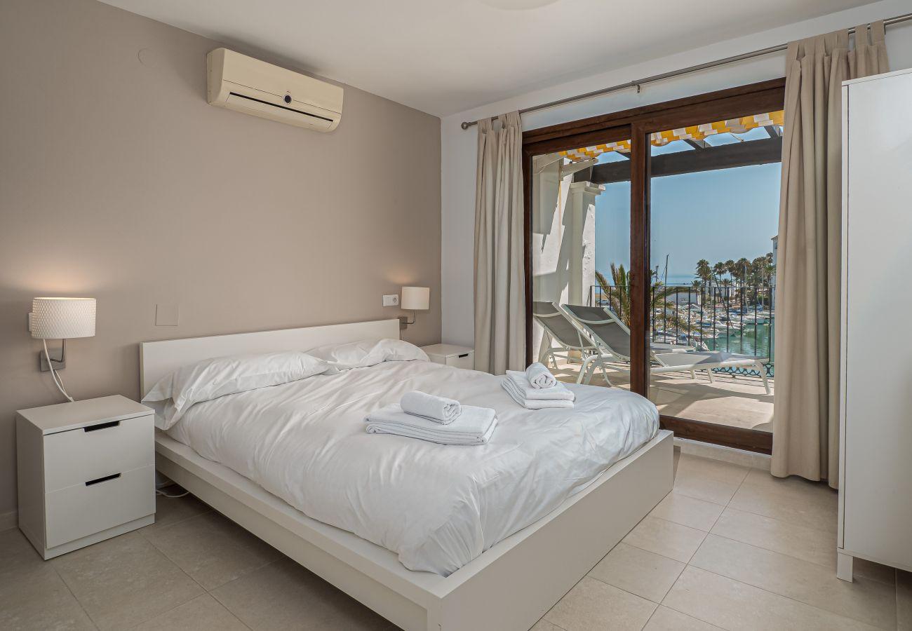 Zapholiday - 2001 - Apartamento Puerto de la Duquesa, Costa del Sol - dormitorio