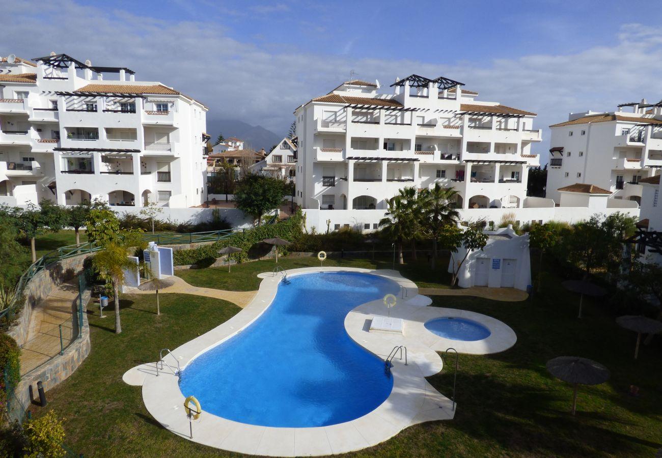 Zapholiday - 2189 - Sabinillas - alquiler de apartamento - piscina