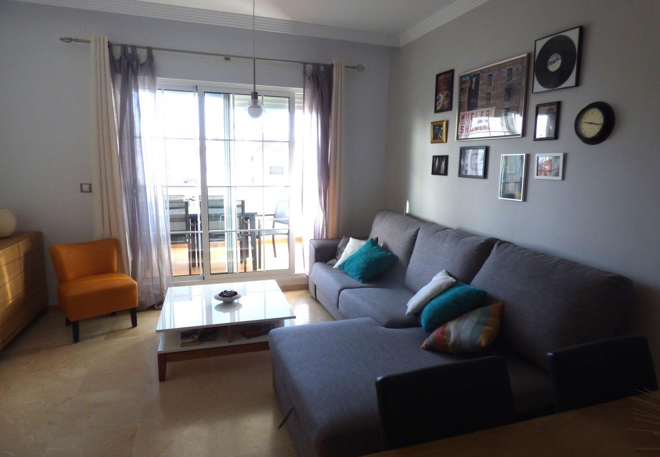 Zapholiday - 2189 - Sabinillas - alquiler de apartamento - sala estar TV