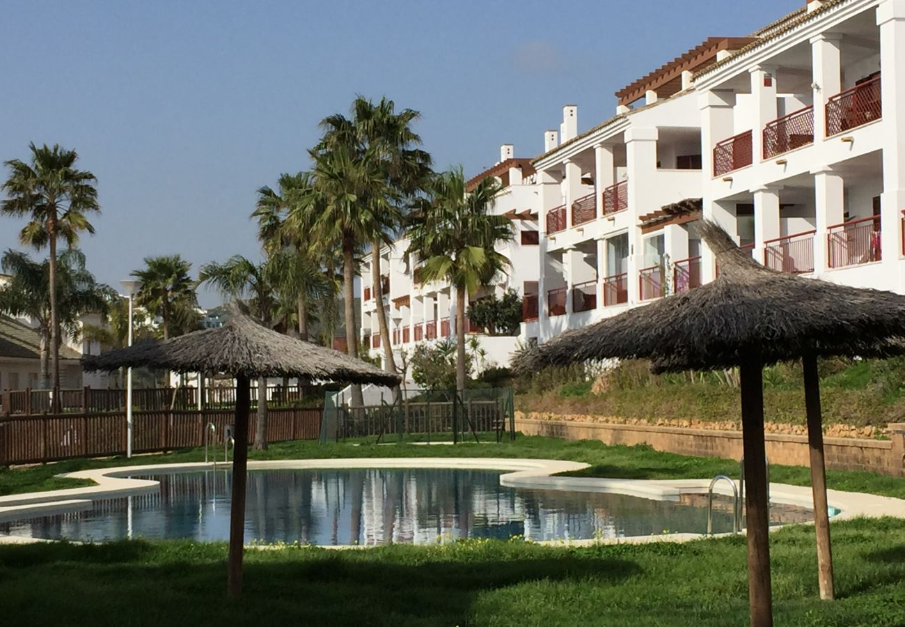 Zapholiday - 2202 - Alquiler de vacaciones apartamento Alcaidesa - piscina
