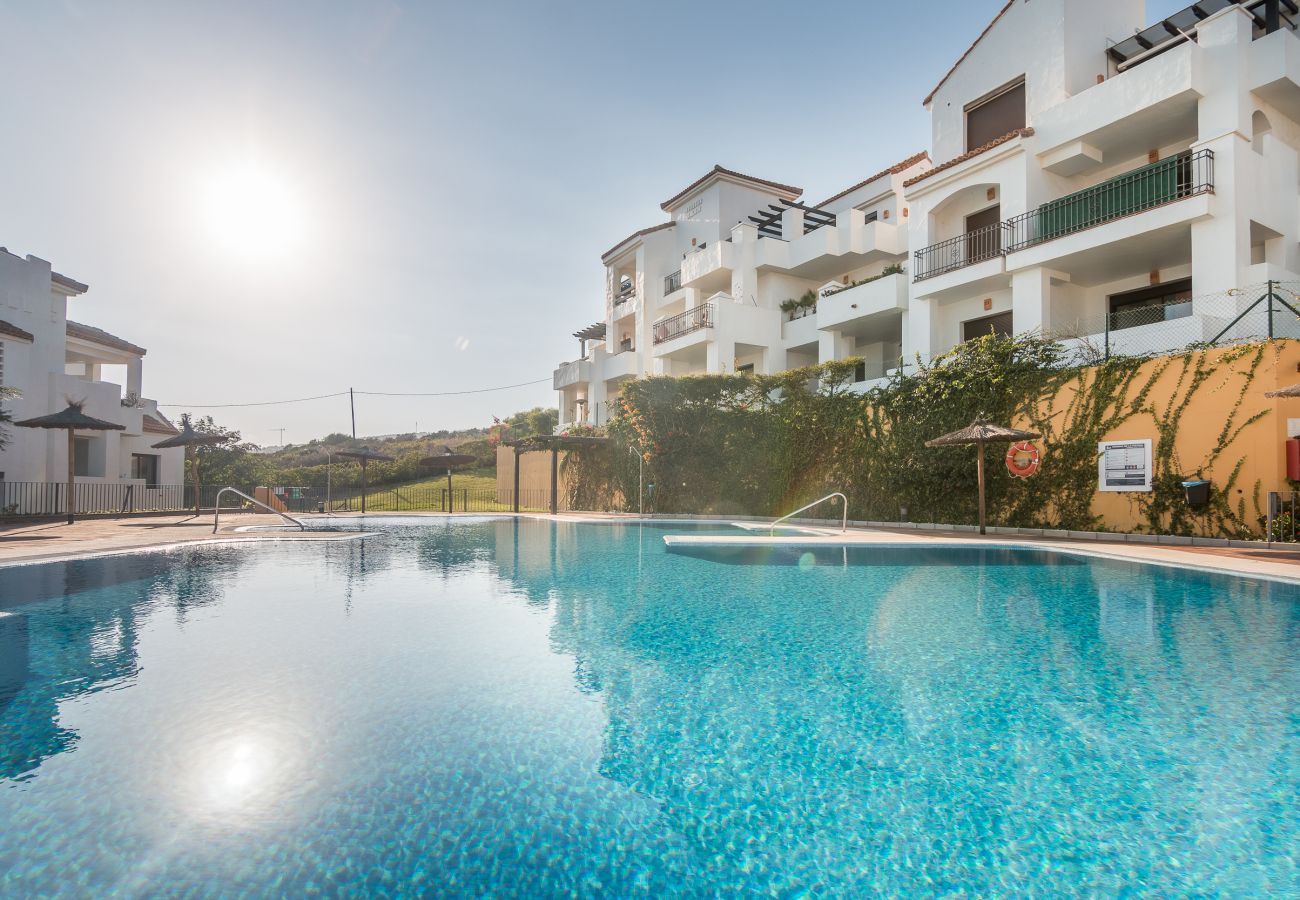 Zapholiday - 2209 - Alquiler de vacaciones villa Alcaidesa - piscina