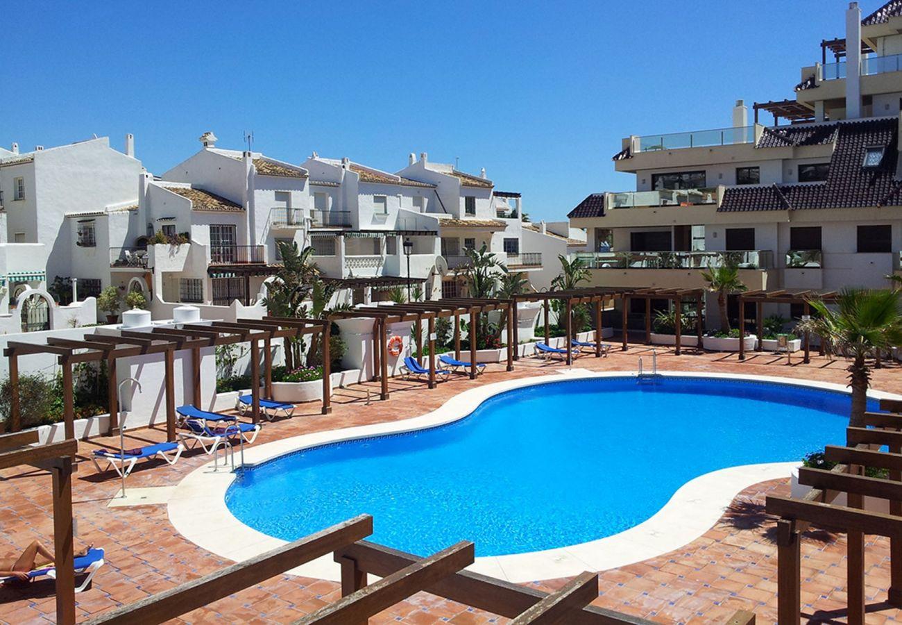 Zapholiday - 2218 - apartamento de vacaciones la Duquesa - piscina