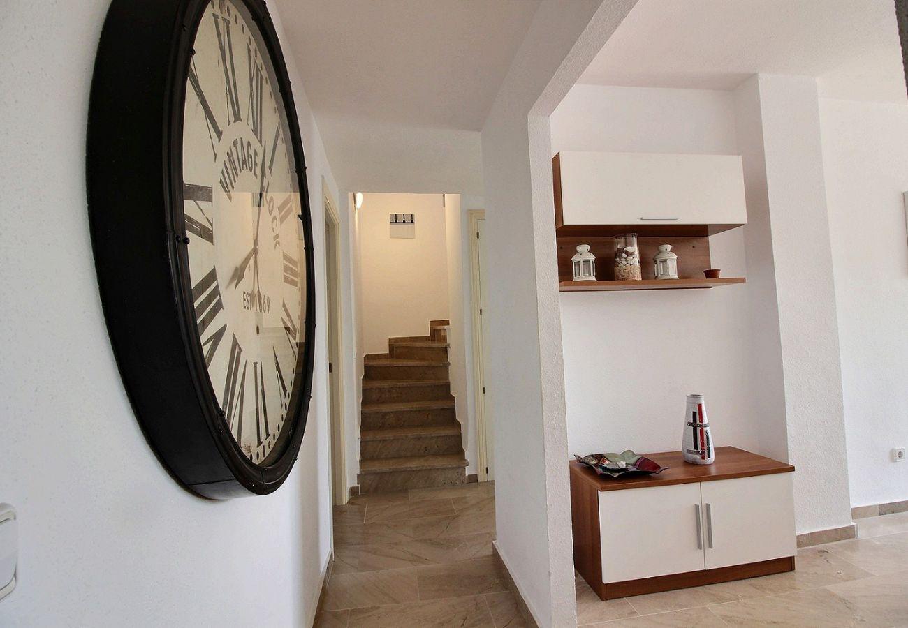 Zapholiday - 2231 - Alquiler de vacaciones apartamento Casares - sala de estar