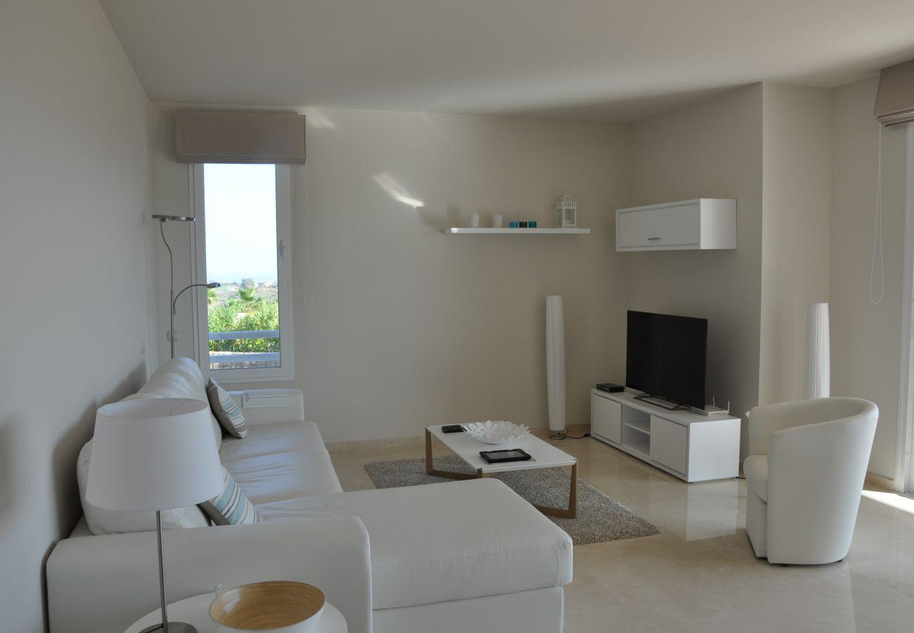 Zapholiday - 2221 - Estepona apartamento de vacaciones - sala de estar