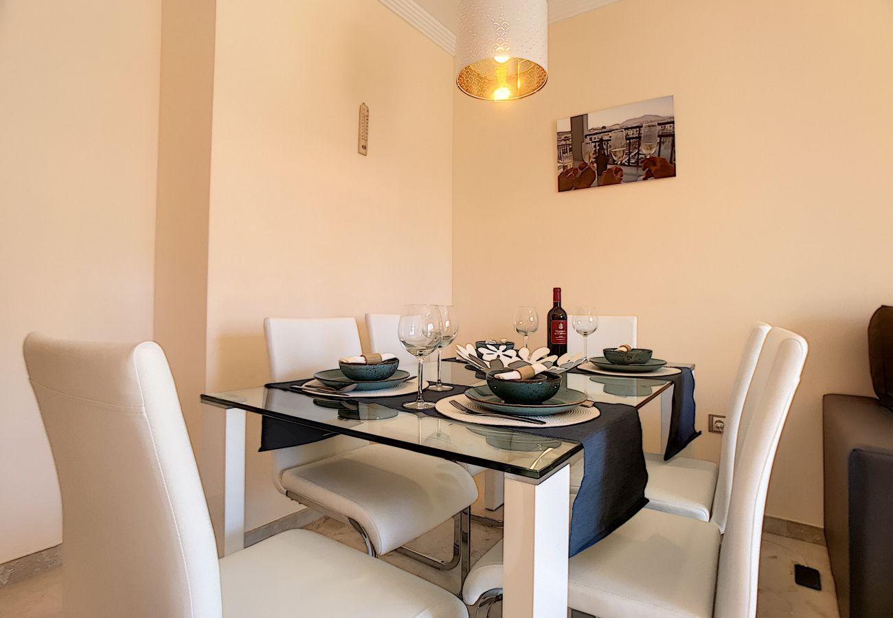 Zapholiday - 2239 - Duquesa apartamento de vacaciones - sala de estar