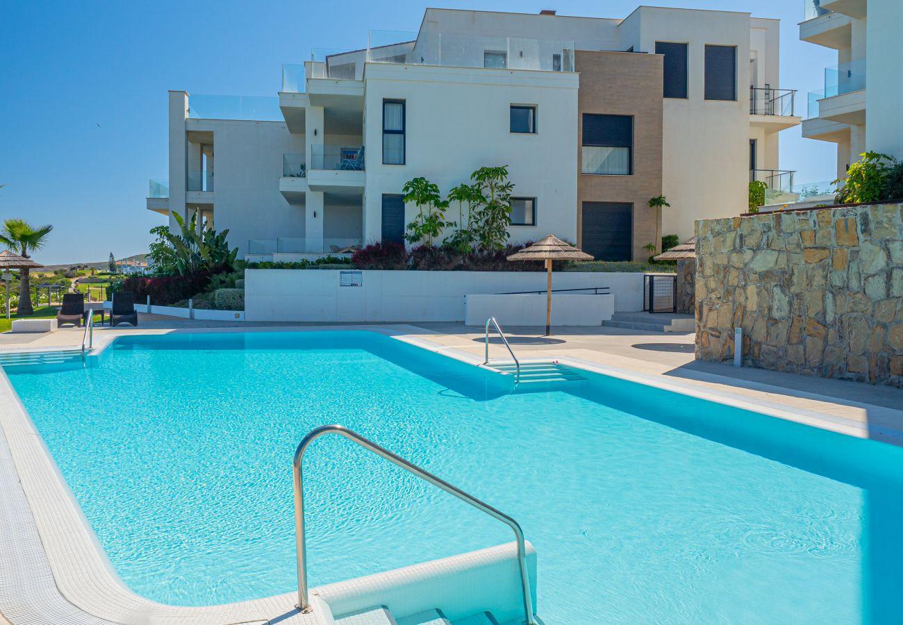 Zapholiday - 2226 - Alquiler de vacaciones apartamento Alcaidesa - piscina