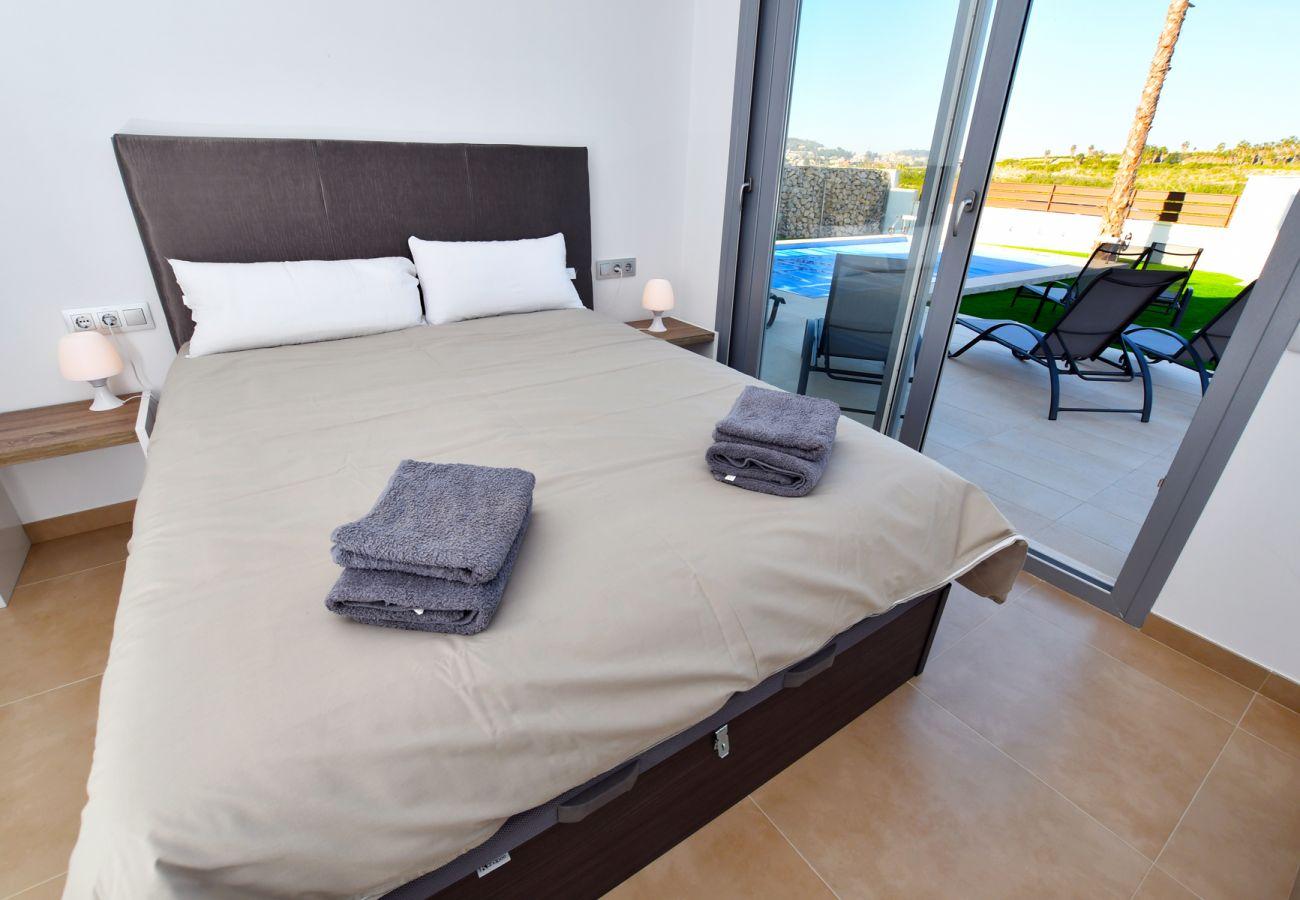Zapholiday - 3021 - villa Orihuela, Alicante - dormitorio