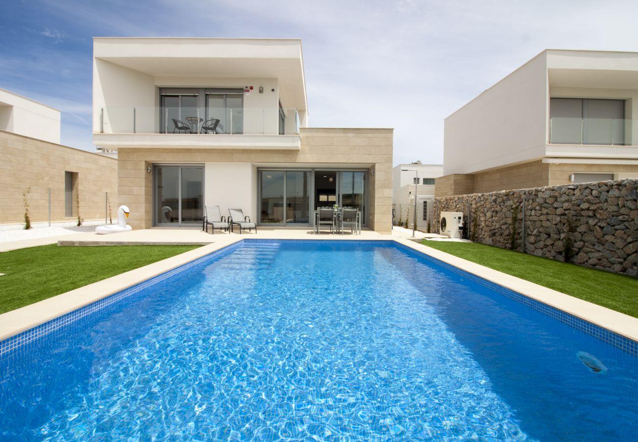 Zapholiday  –  3021 - villa Orihuela, Alicante  –  piscina