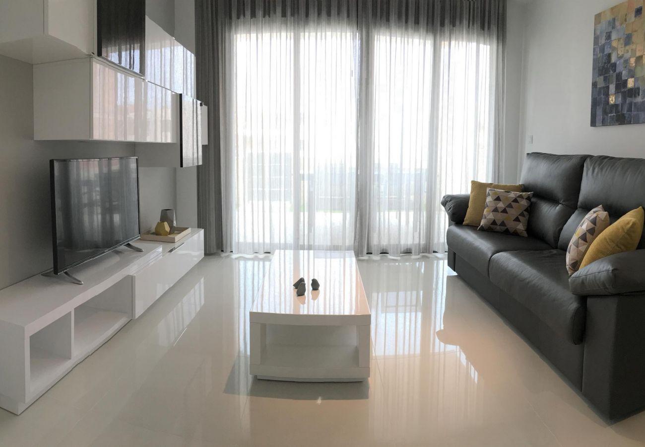 Zapholiday - 3022 - apartamento Mil Palmeras, Costa Blanca - sala de estar