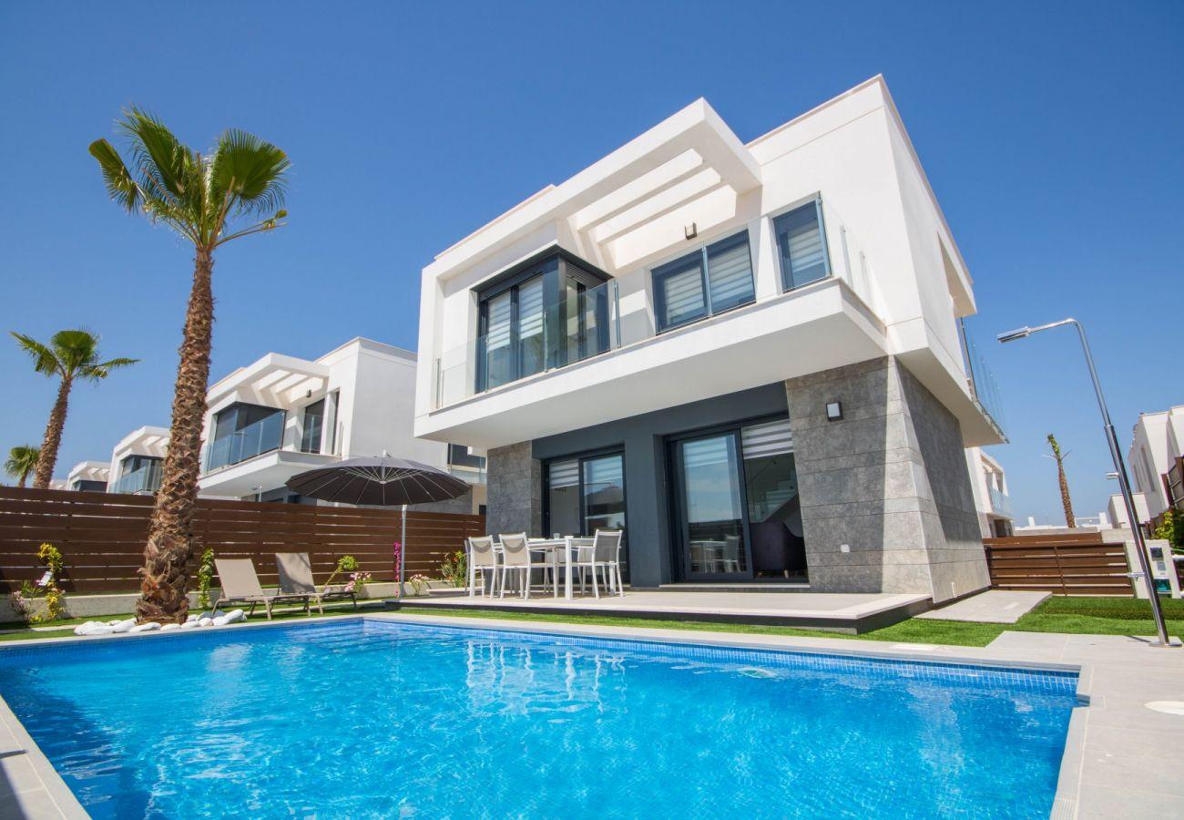 Villa en Orihuela - 3032 Vistabella- Bali 3032