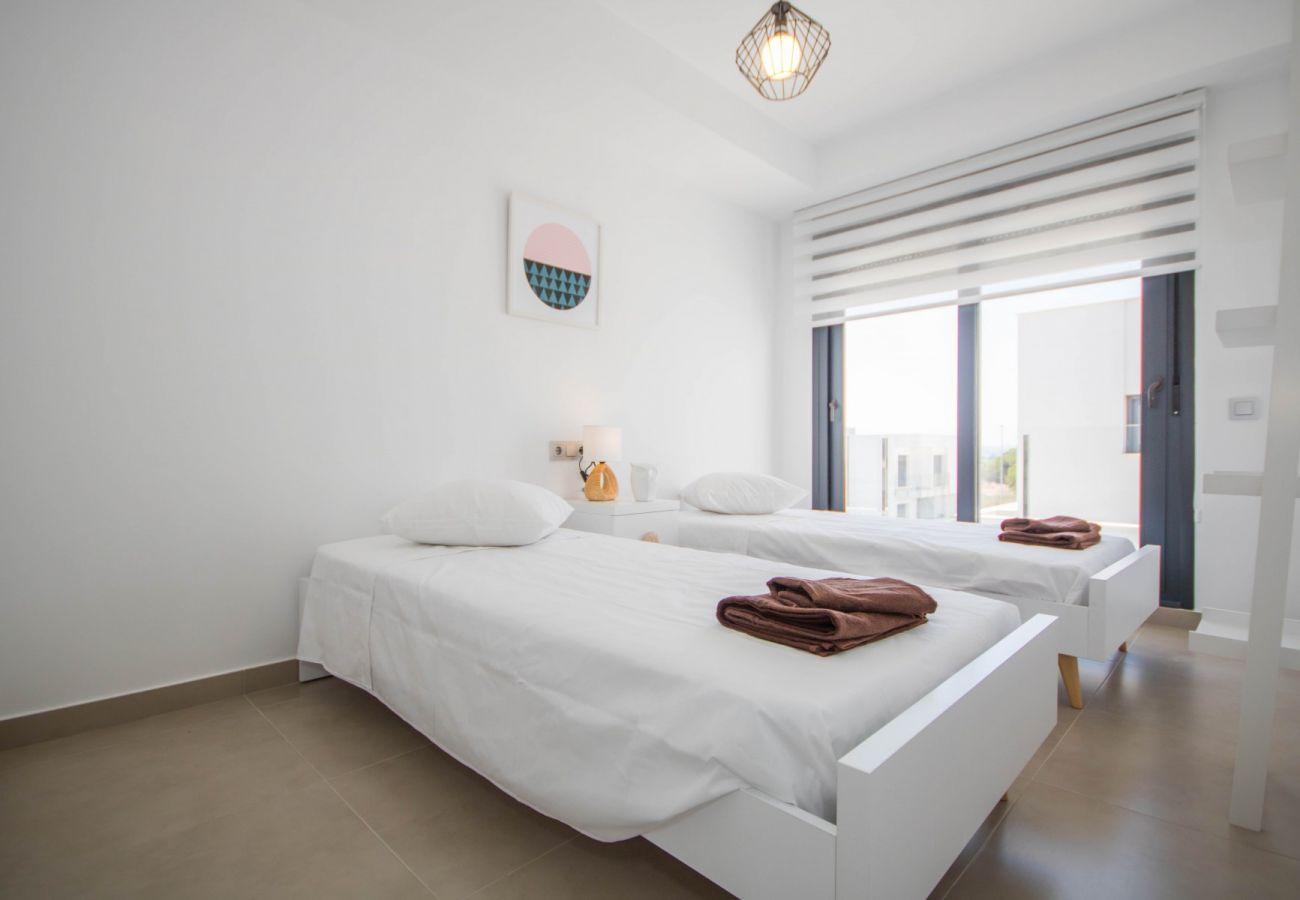 Zapholiday  –  3034  -  villa  Vistabella golf , Alicante - habitación
