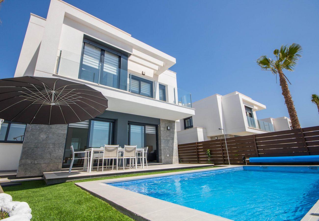 Zapholiday - 3034 - Villa Costa Blanca, Alicante - piscina