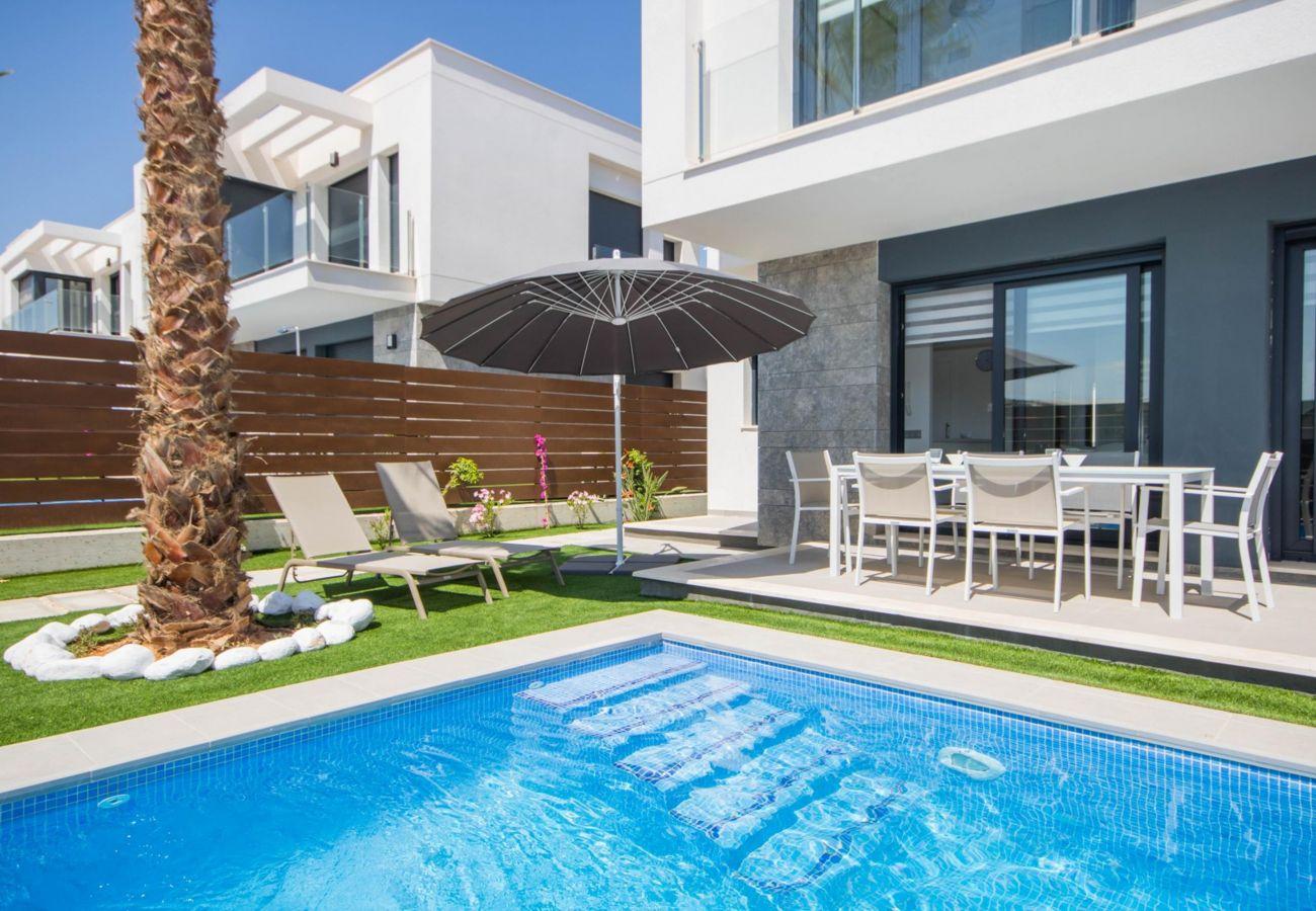 Villa en Orihuela - 3034 Vistabella- Bali 3034