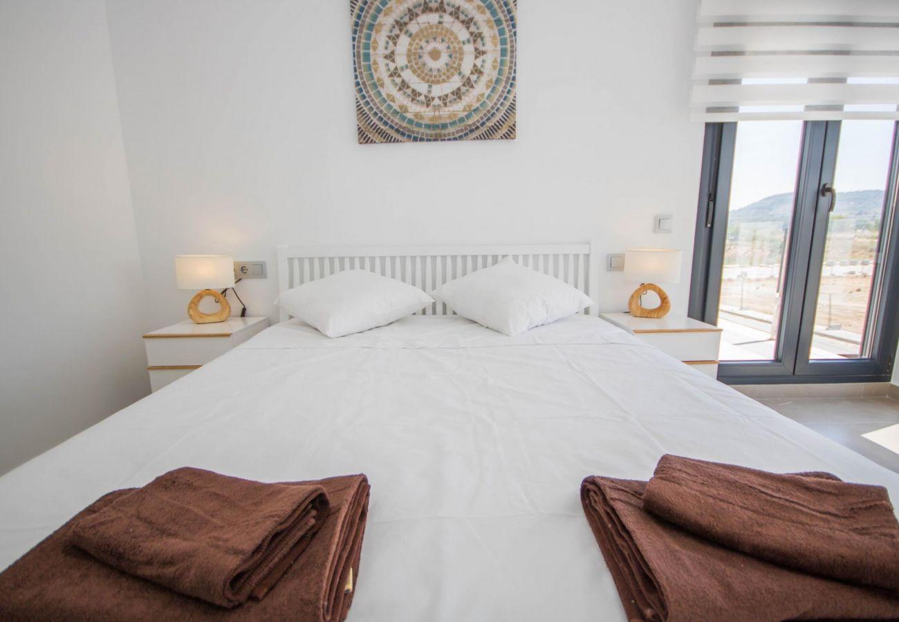 Zapholiday - 3034 - Villa Costa Blanca, Alicante - dormitorio