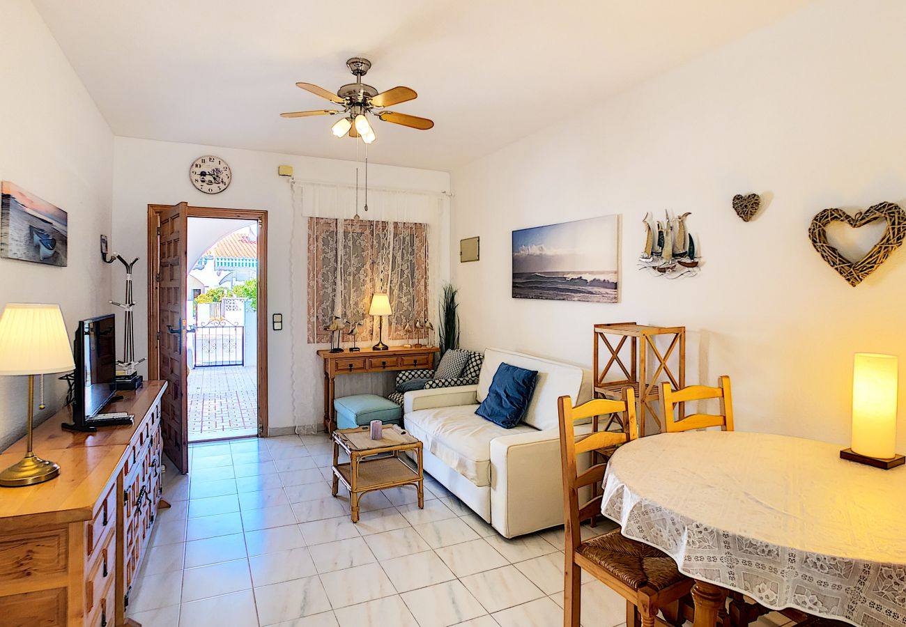 Zapholiday - 3046 - apartamento de alquiler Villamartin, Costa Blanca - sala de estar