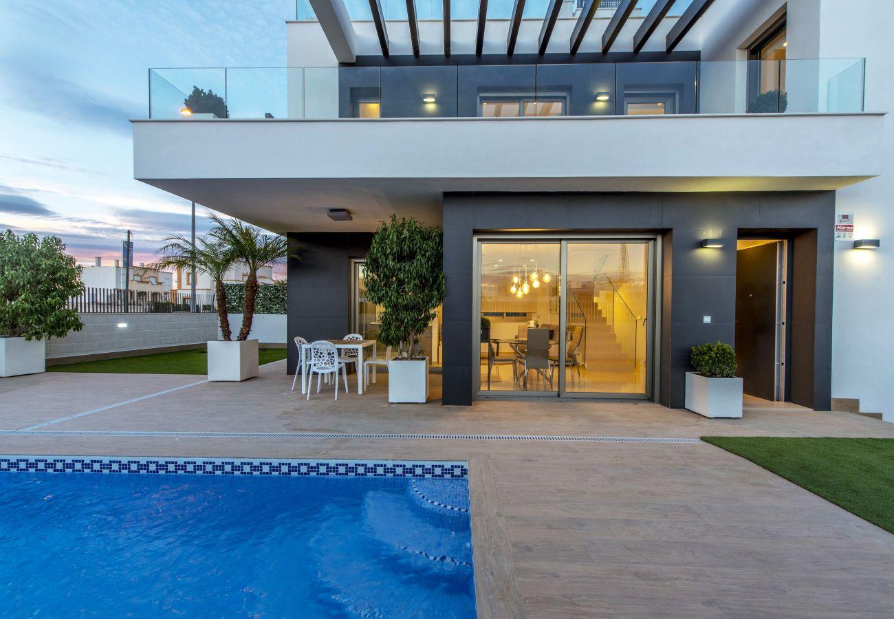 Villa en Orihuela Costa - 3061 Res. Villamartin - Villa 3061