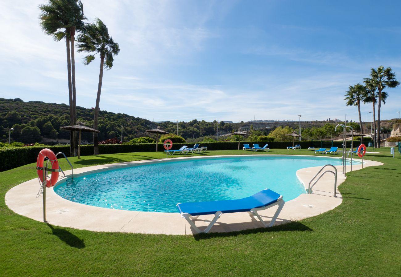 Zapholiday - 2297 - apartamento Casares, Costa del Sol - piscina