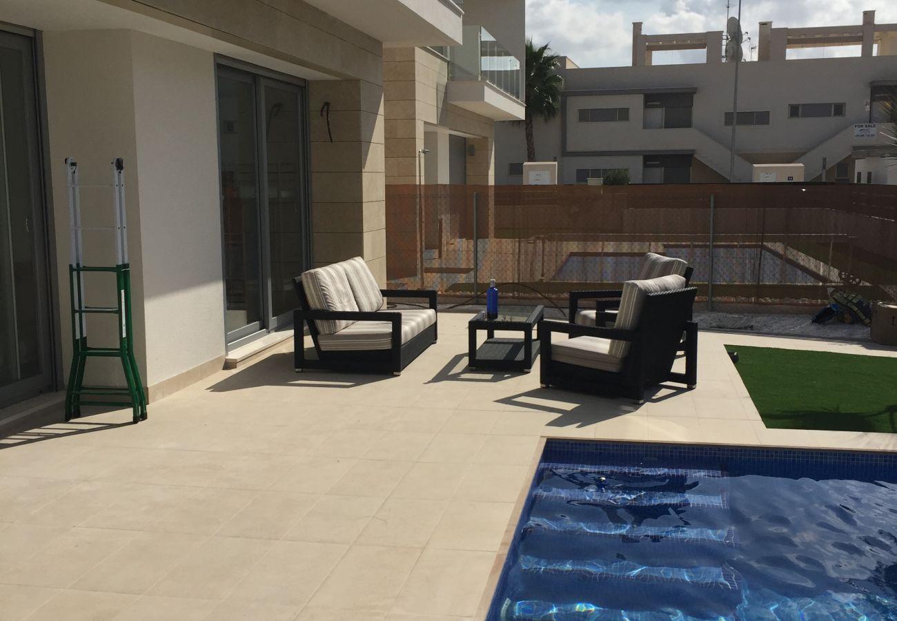 Zapholiday - 3018 - villa Orihuela, Alicante - terraza