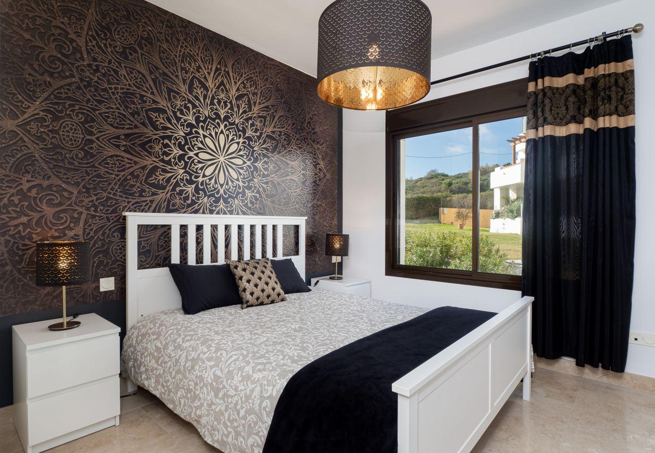 ZapHoliday - 2305 - alquiler de apartamentos en La Alcaidesa, Costa del Sol - dormitorio